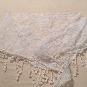Accessories - White scarf/wrap